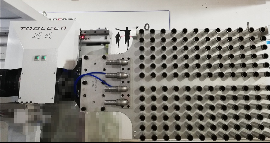嘉兴侧入式PET瓶胚取出机械手